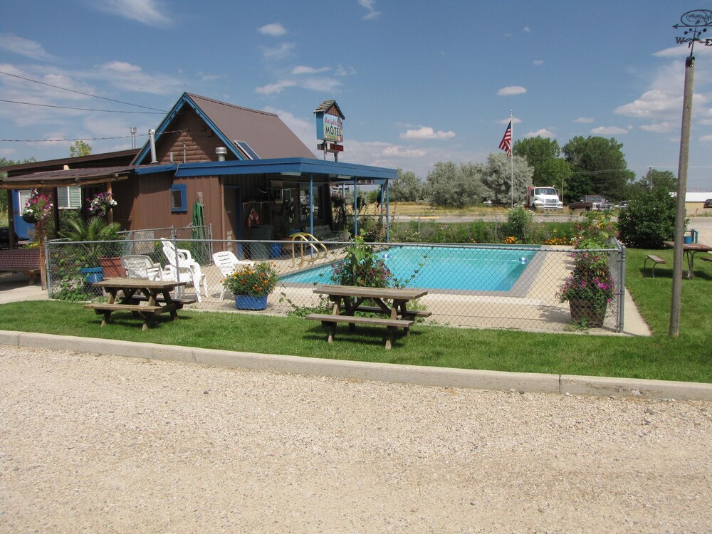 Gallery image of Blue Gables Motel and Coffee Shop