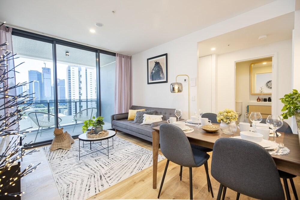 Brisbane One Apartment