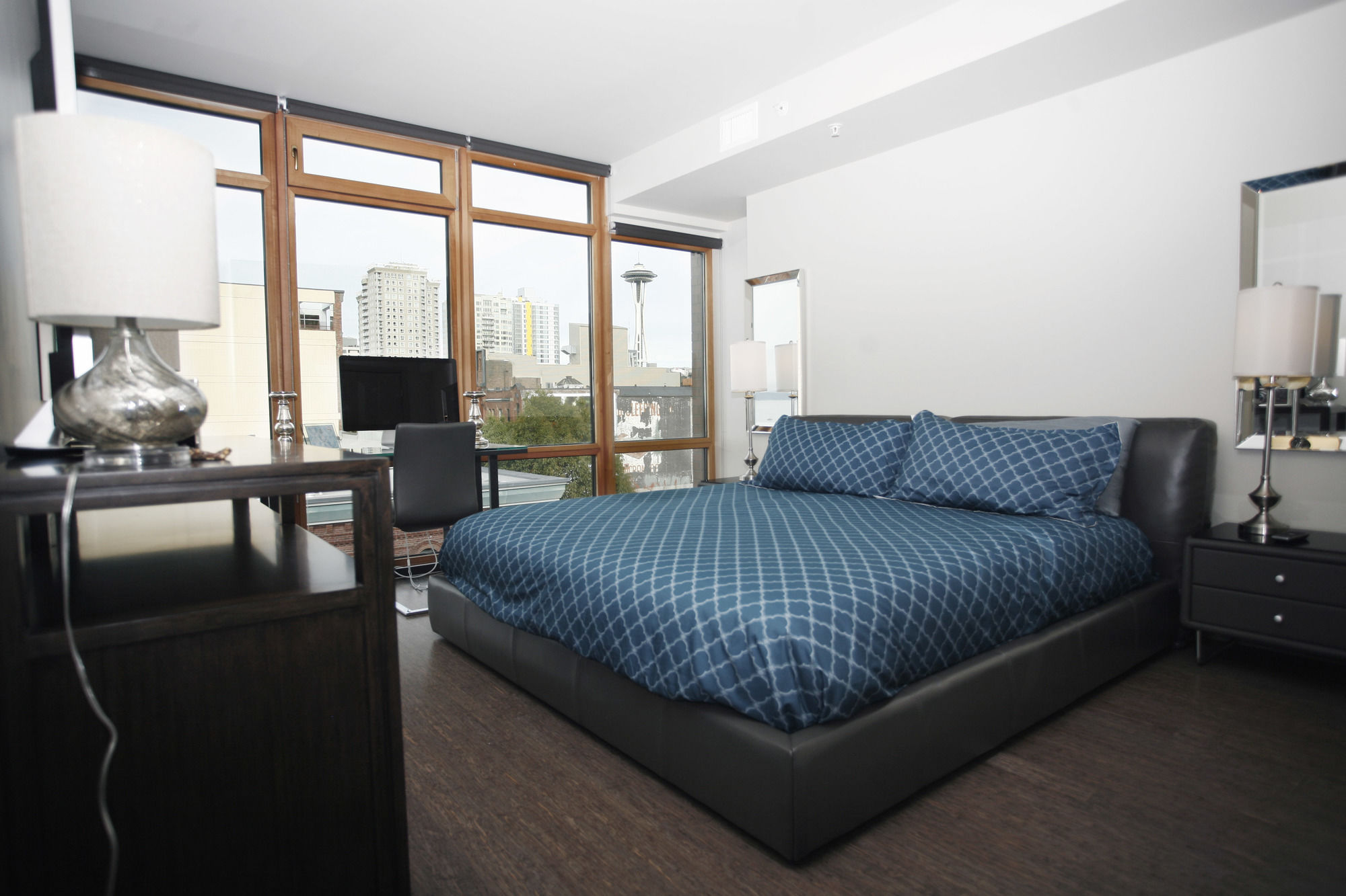 Pike's Place Lux Suites by Barsala