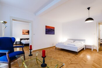 Judengasse Premium Apartments In Your Vienna By Welcome2vienna (جودنگاس پرمیوم آپارتمنتس این یور وین بای ولكوم۲وینا) Guestroom