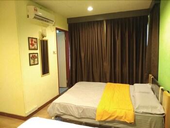 Book Sandakan Greenview Hotel with tajawal, Book Now at best