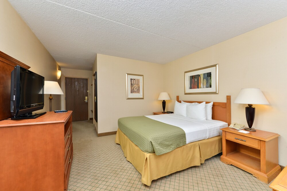 Clarion Hotel and Conference Center Tucson Airport