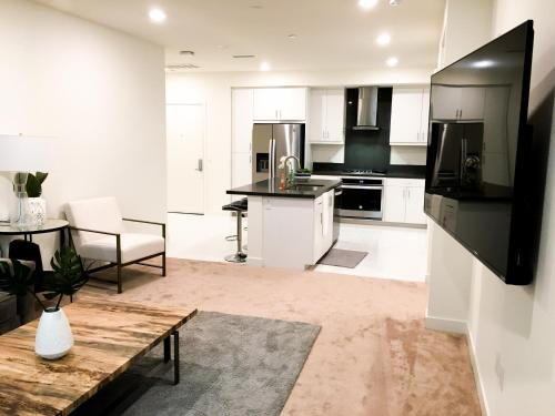 Brand New Condo with 5 star Amenities