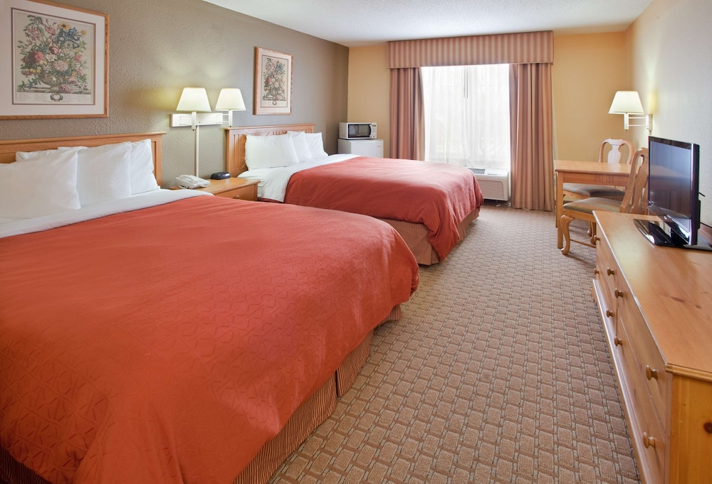 Gallery image of Country Inn & Suites by Radisson Bloomington Normal West IL