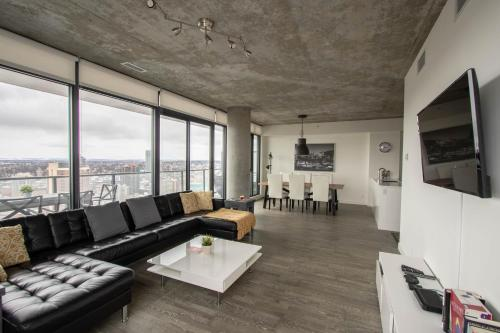 Best location in Calgary Sub Penthouse close to everything