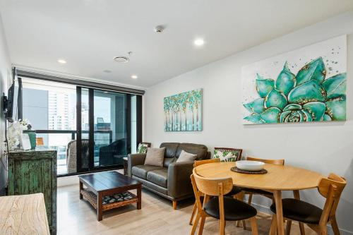 Sky Tower on Your Doorstep Modern Two Bedroom