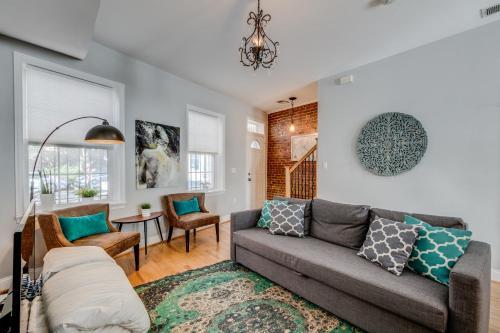 BluBambu Suites U Street 14th Street Apartments