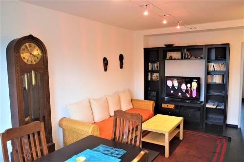Apartment 1 Höninger Weg 69