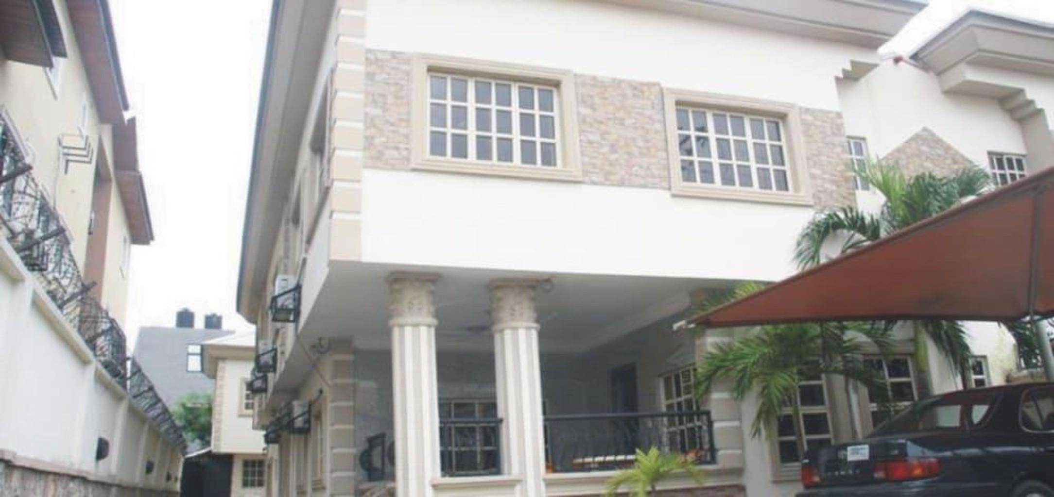 Upper Class Suites
