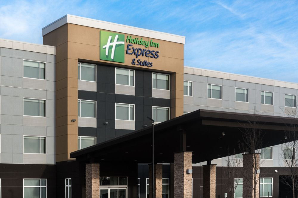 Holiday Inn Express & Suites West Edmonton Mall Area