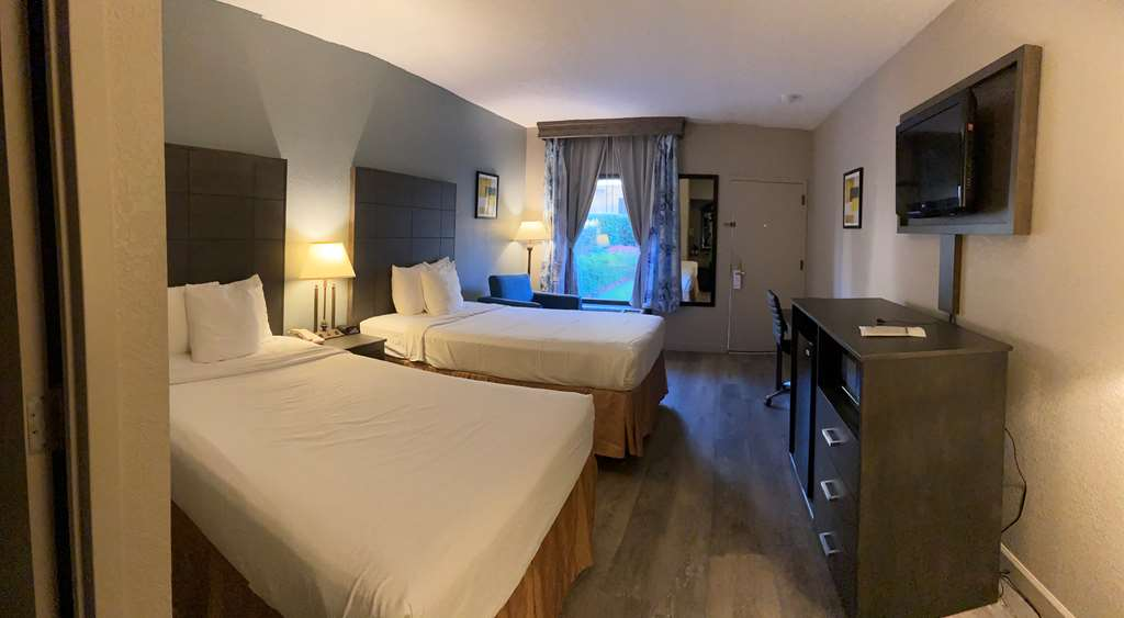 Gallery image of Best Western Pinehurst Inn