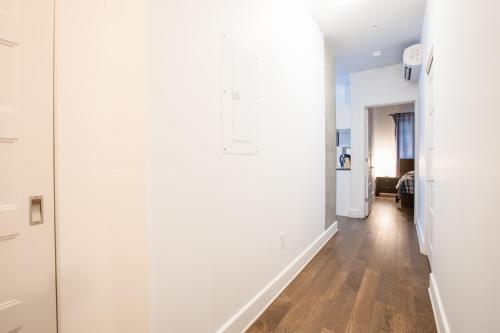 Sunny apartment in Quartiers des Spectacles