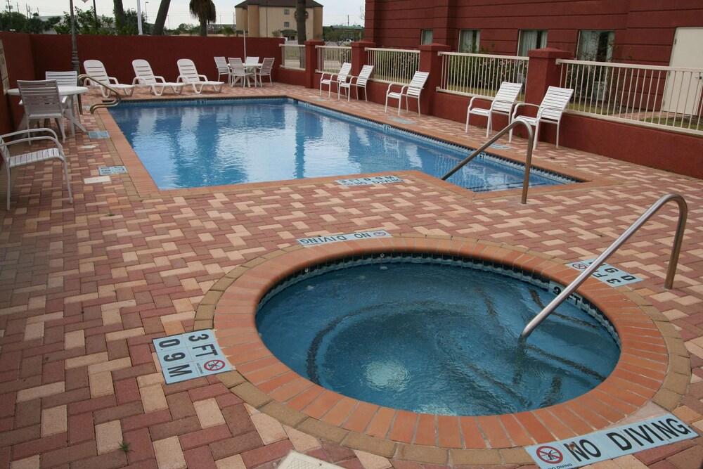 Gallery image of Hampton Inn & Suites Brownsville