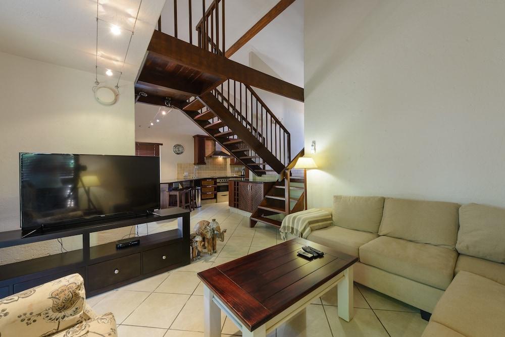San Lameer Villa Rentals 3207