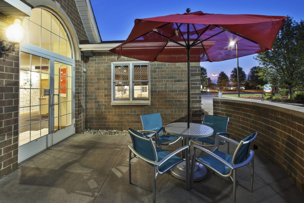 Gallery image of TownePlace Suites by Marriott Detroit Dearborn