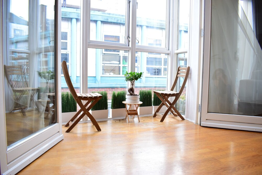 2 Bedroom Apartment in Central Dublin Sleeps 4