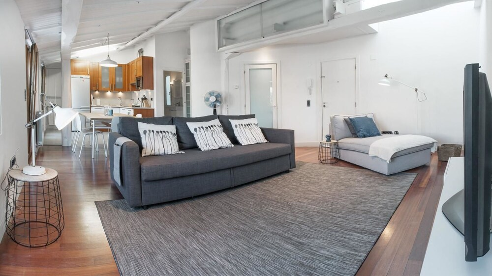 Beachtown apartment by People Rentals