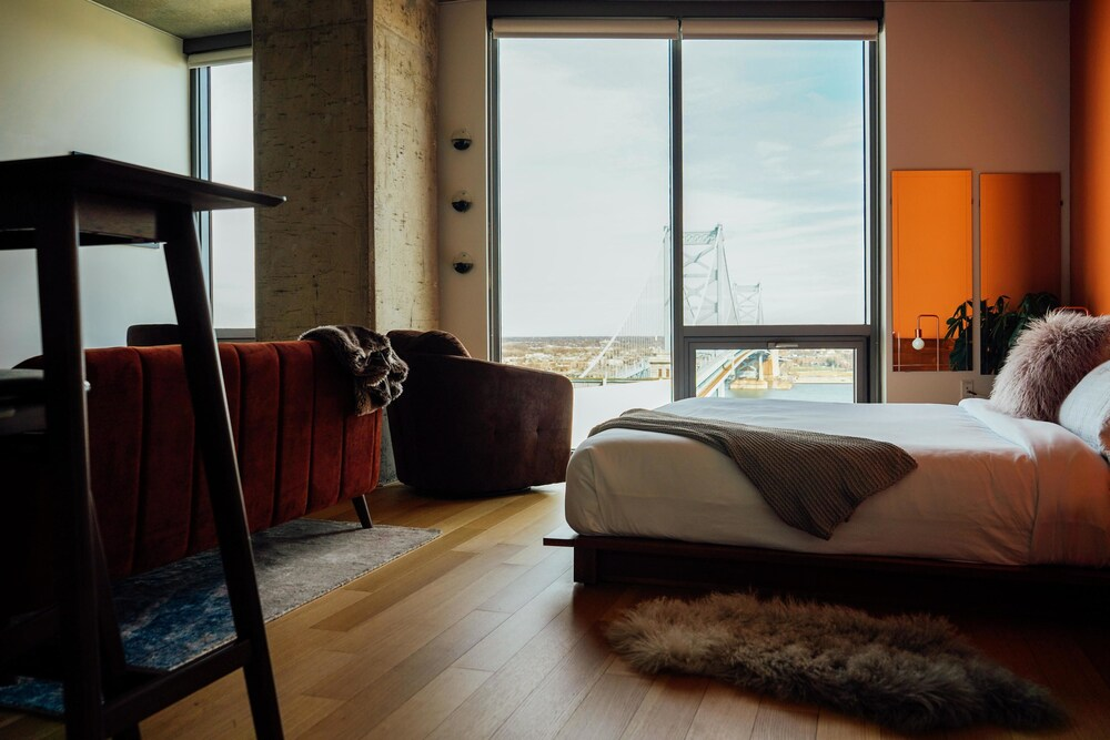 Coral Homes Designer Penthouse in Old City Nirvana Suite