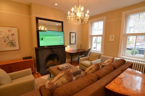 1424 Northwest Townhome #1042 3 Br Townhouse
