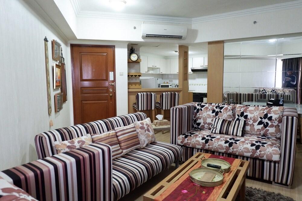 Strategic 3BR Apt at Sudirman Tower Condominuim