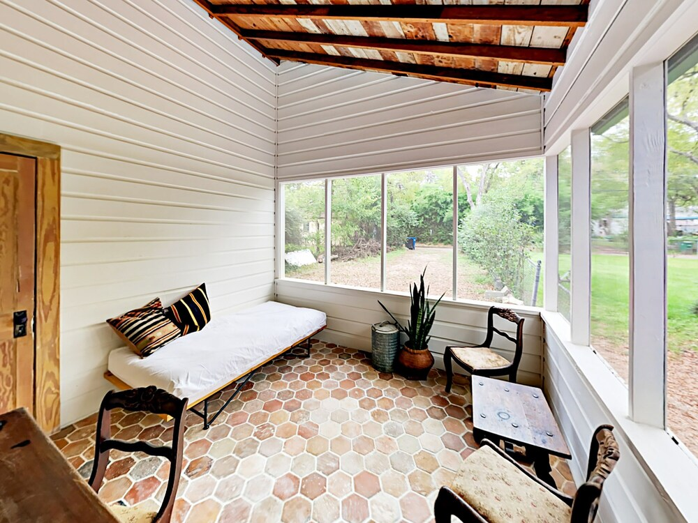 Austin Surf Shack Featured In Domino Magazine 3 Bedroom Home