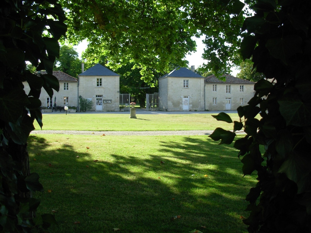 Gallery image of Domaine du Griffier
