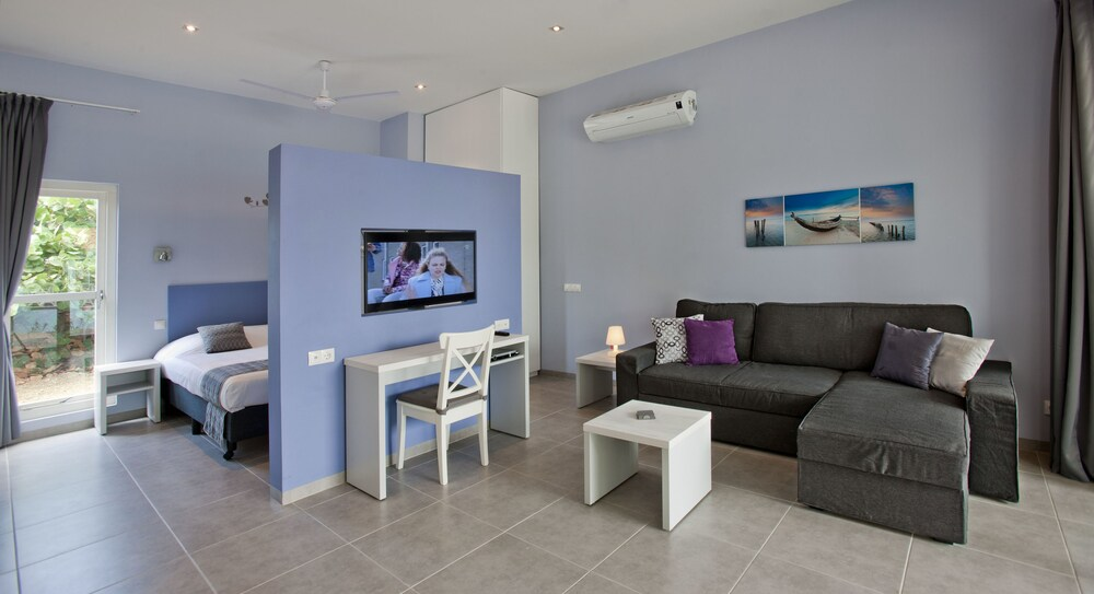 Gallery image of Blue Bay Lodges