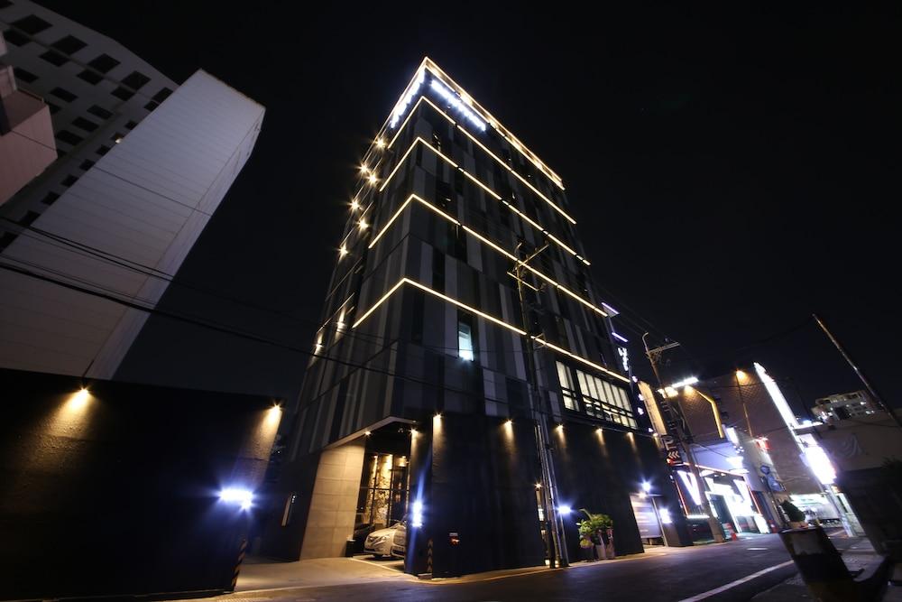 Zam 101 Hotel