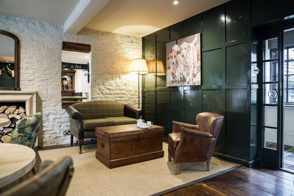 Gallery image of Bear of Rodborough Hotel
