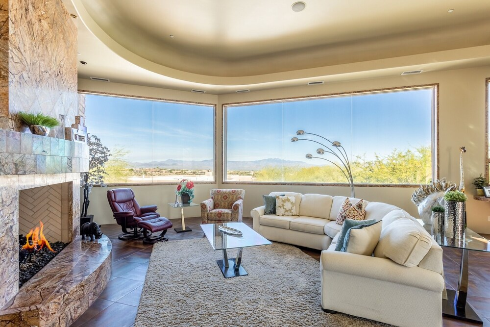All suite Tuscan W Pool Spa & Sports Court 4 Bedroom Home