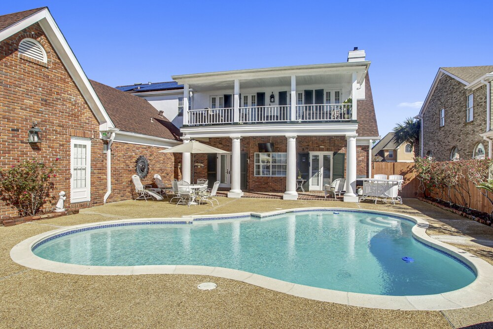 Lovely 4 Br Home Only 15mins From Downtown Nola 4 Bedroom Home