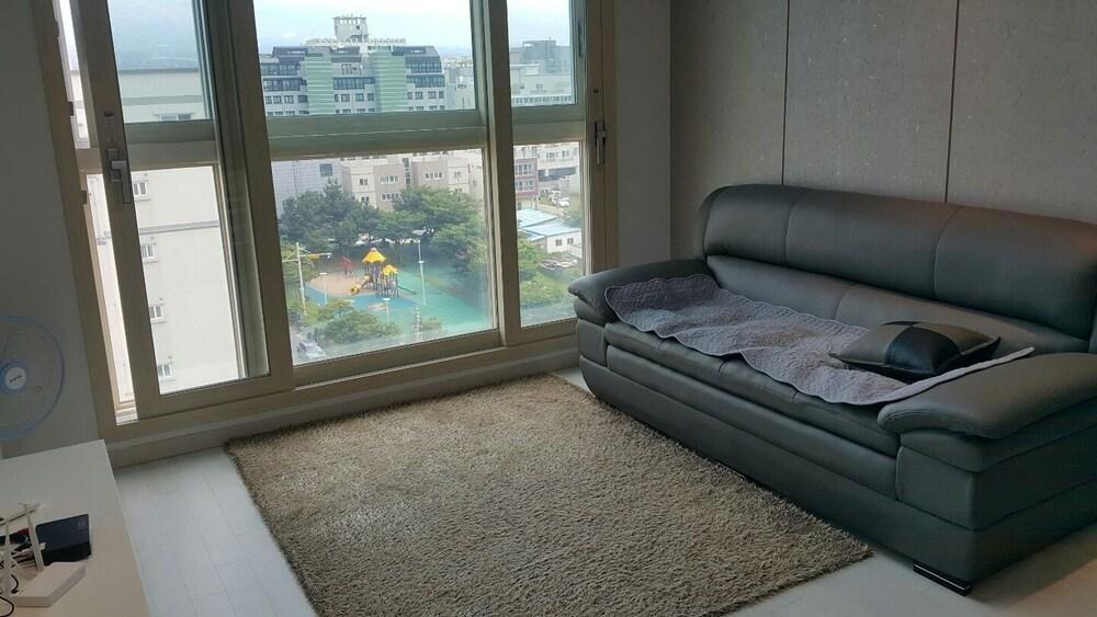 Jeju 5th Apartment in Baekgang Supia