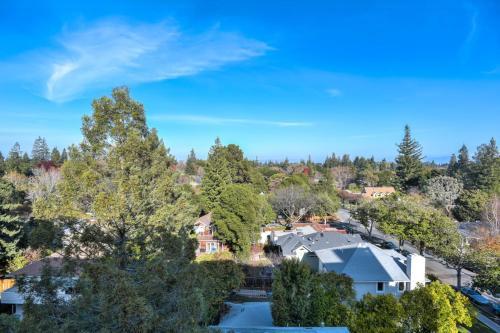 Urban Flat Apartments @ Downtown Palo Alto