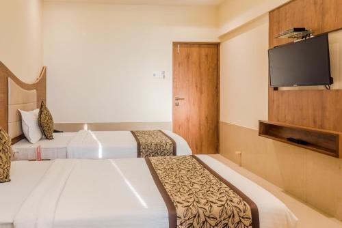 Oyo 8363 Hotel Royal Ns