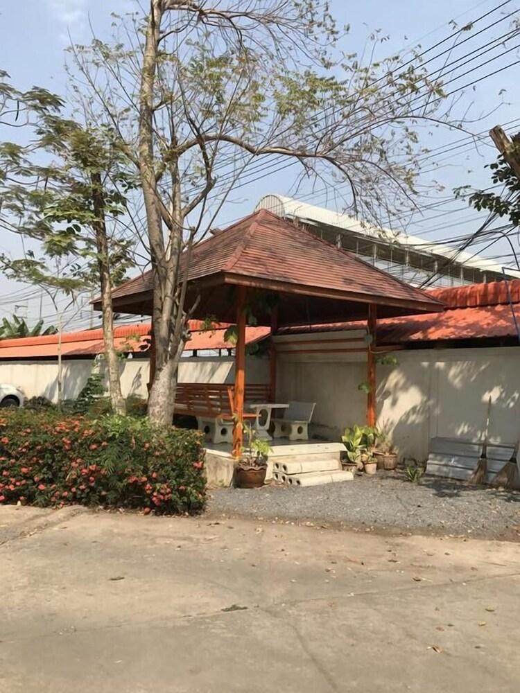 Gallery image of SJ Apartment Ayutthaya