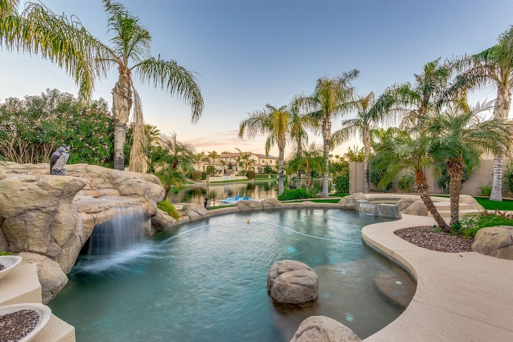 On The Water In Ocotillo 4 Bedroom With Pool Spa & A Paddle Boat. 30 Night Minimum Stay Home