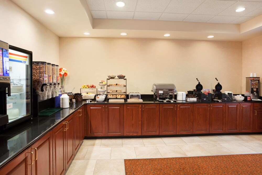 Gallery image of Country Inn & Suites by Radisson Lexington Park MD