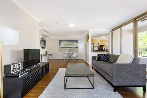 Woolloomooloo Self Contained Modern Two Bedroom Apartment