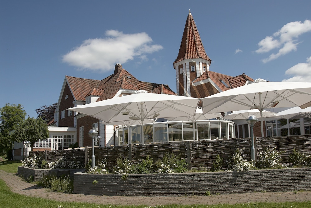 Gallery image of Hotel Sørup Herregaard