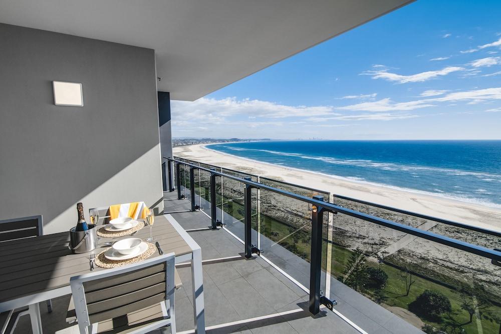 Iconic Kirra Beach Resort
