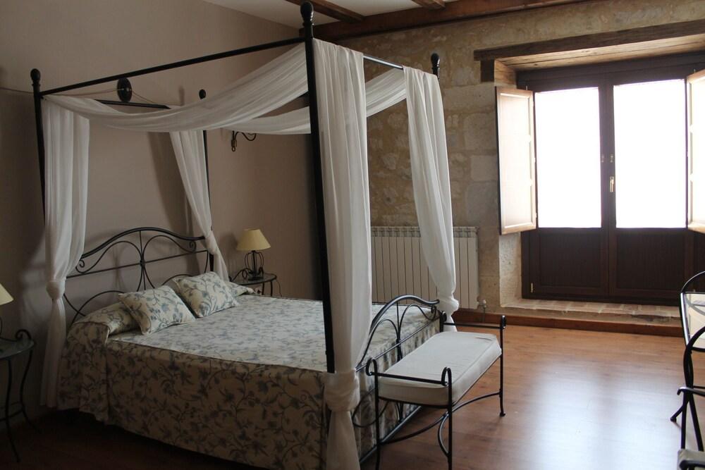 Gallery image of Hotel Restaurante Rural Las Baronas