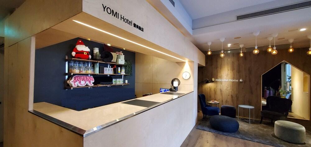 Yomi Hotel MRT Shuanglian Station