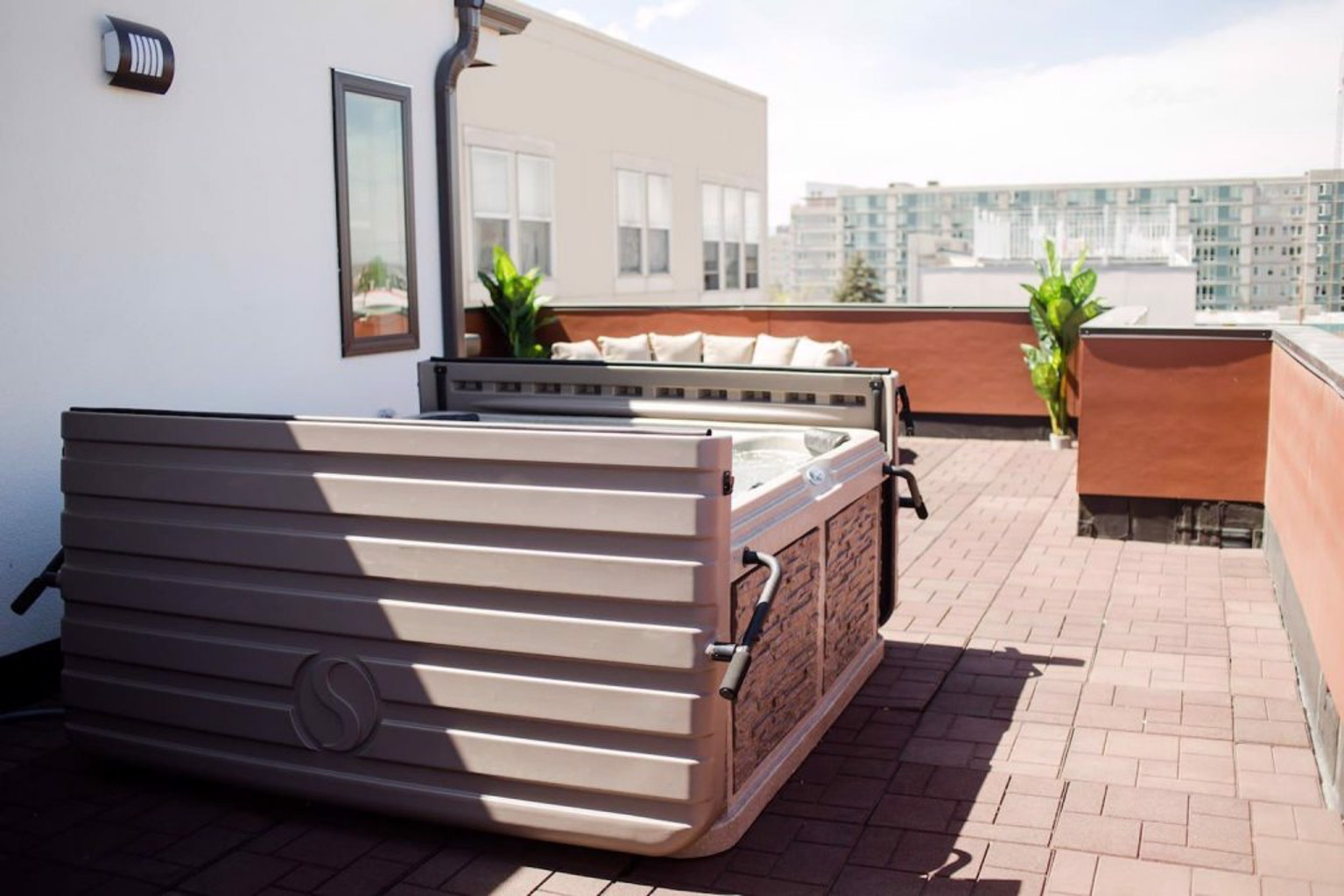NEW Luxurious Vacation Home in DT Denver 2