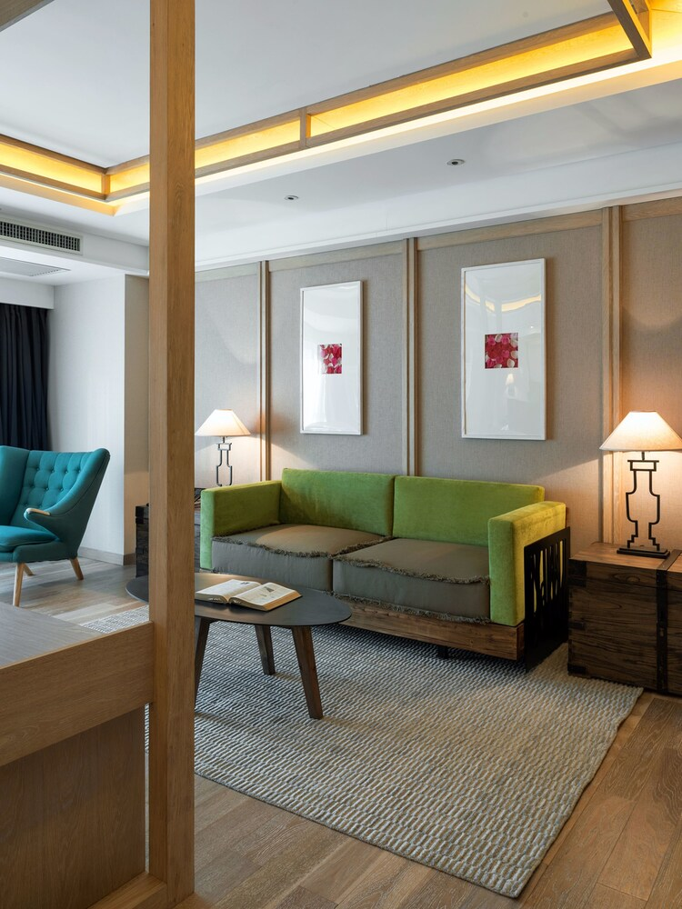 Harbin 22C Boutique Hotel