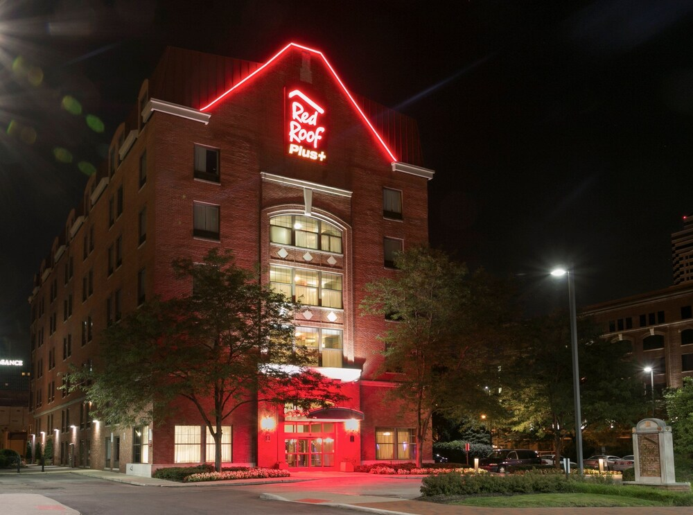 Gallery image of Red Roof Inn PLUS Columbus Downtown Convention Center