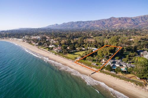 New Listing Palatial Beachfront Estate W Casita Home
