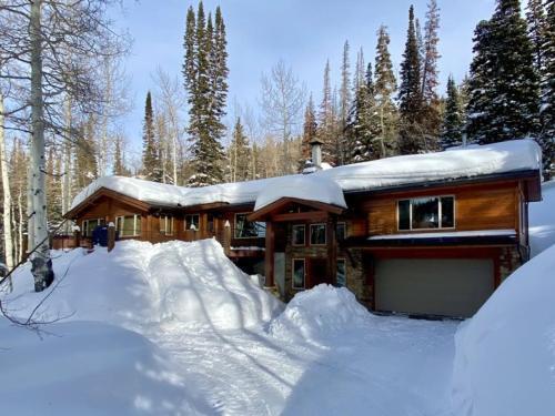 Uinta Lodge