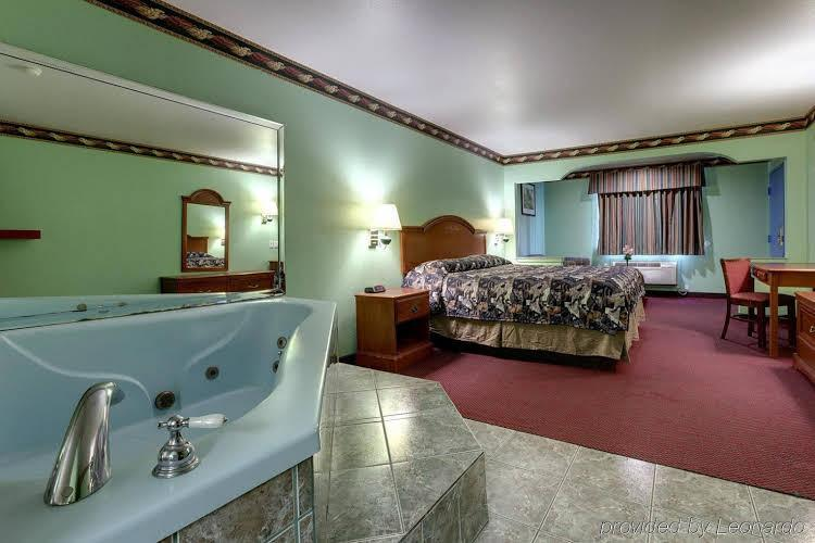 Gallery image of Americas Best Value Inn & Suites Rosenberg Houston