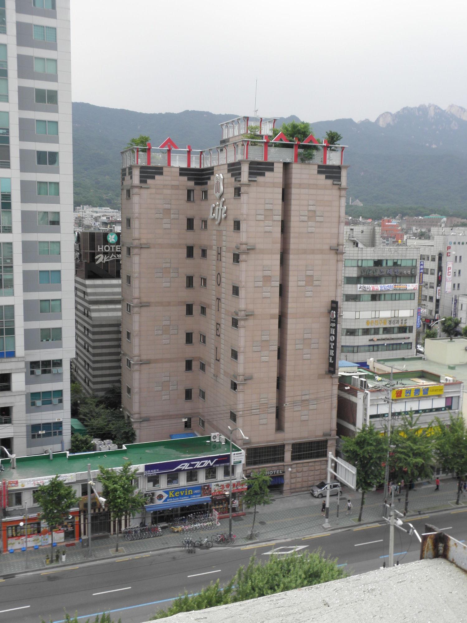 Life Hotel In Suyu