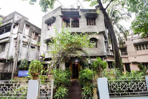 Spot On 49691 Diya Guest House